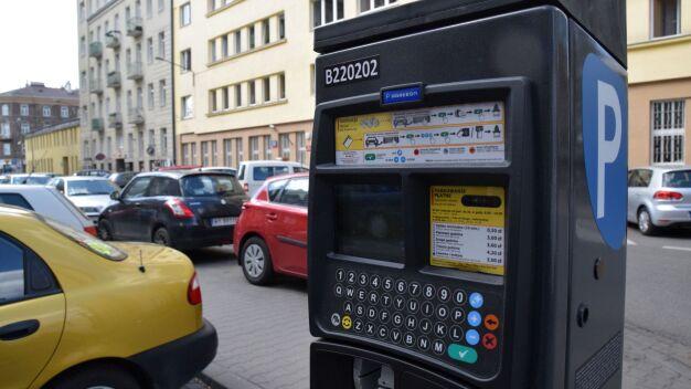 """Wyrok w sprawie parkomatów. """"Numer jest związany z pojazdem"""""""