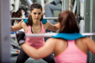 Savoir-vivre na siłowni. Jak się zachować?