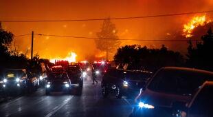Ogień w Stanach Zjednoczonych (PAP/EPA/CHRISTIAN MONTERROSA)