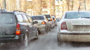 Trudne warunki na drogach. Apelujemy o ostrożność