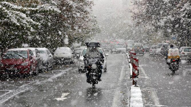 Śnieg w Teheranie. Zamknięte szkoły, <br />paraliż komunikacyjny